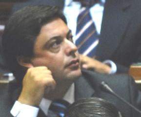 EL DIPUTADO DEL PARTIDO NACIONAL DANIEL PEÑA DENUNCIA A LA COMUNA CANARIA POR ROBO DE ARENA.
