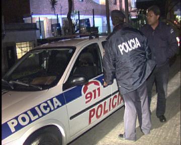 EL CENTRO COMERCIAL Y VECINOS DE SALINAS INVITARON A EL JEFE DE POLICÍA POR LA GRAN INSEGURIDAD