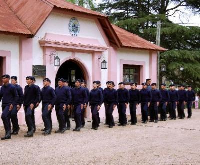LLEGARON JERARCAS DE LA JEFATURA DE POLICÍA DE CANELONES A LA LOCALIDAD DEL SAUCE
