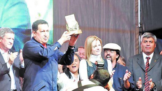 SI ESTO ES CIERTO SOLO HAY QUE SACARLE LA CARETA Y SABER LA VERDAD SOBRE ESTE PRESIDENTE CHAVEZ  DE VENEZUELA.