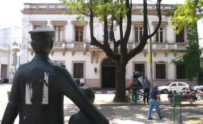 LUNES 28 DE MARZO DEL 2011 CENTRO COMERCIAL DEL   SAUCE POR I NSEGURIDAD  REUNION CON  JERARCAS DE  LA JEFATURA  DE POLICÍA D E CANELONES.