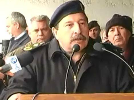 Sr. JEFE DE POLICIA DE CANELONES, EL SUPERIOR ES FUERTE, ECUANIME,PATERNAL Y DIGNO ESO ES LO QUE TODOS DESEAN Y EN ESPECIAL LOS CIUDADANOS PARA TENER UNA POLICÍA CON DIGNIDAD Y ESPÍRITU DE CUERPO.-