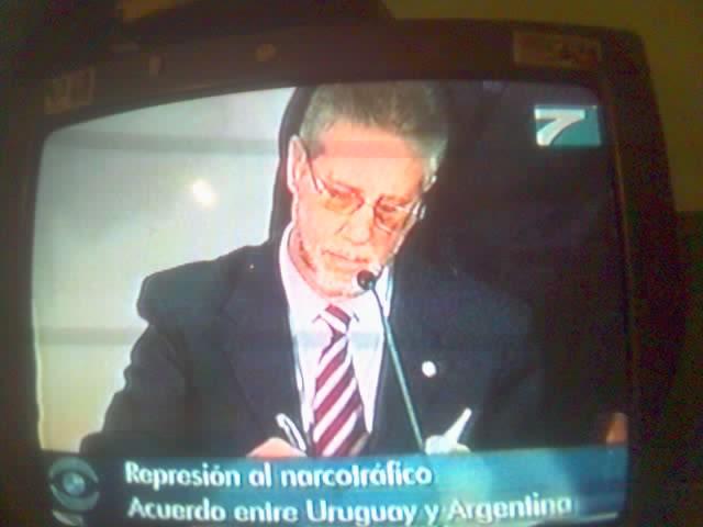 ESTO ES UN CUENTO DE RIPLEY: O ESTAMOS REGALADOS LOS PERIODISTAS INDEPENDIENTES EN EL URUGUAY.