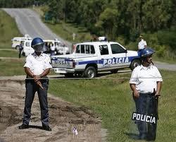 """NO INGRESES A LA POLICÍA POR NECESIDAD. ENTRA POR VOCACIÓN Y  VOLVERA EL CIUDADANO A CONFIAR EN LA POLICÍA. """"USTED SABE QUE TENGO RAZÓN MINISTRO DEL INTERIOR"""""""