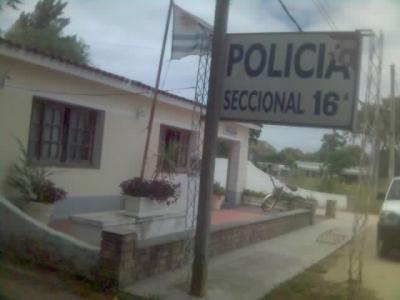POQUE NO HAY PERSONAL POLICIAL EN LAS COMISARÍAS DE CANELONES. HACE AÑOS QUE SE VIVE ESTE PROBLEMA DE FALTA DE FUNCIONARIOS POLICIALES. DEJEN LA LETRA DEL ARROZ CON LECHE  Y LOGREN COSAS MÁS ÚTILES. PARLAMENTARIOS FRENTE AMPLISTAS.